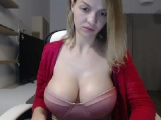 Busty Milf using TINDER to find a fuck date