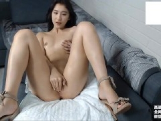 Girl china masturbating with extremely happy sextoy