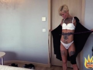 BLONDE TATTOOED MILF VICKY HUNDT GETS THE COCK SHE WAS SEARCHING FOR