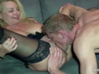 GERMAN SAGGY TITS MILF JENNY AT FAN DATE WITH SPERM ON PUSSY