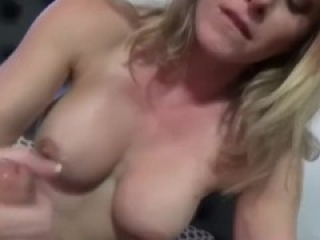 Fucking a Hot Thick Ass MILF in Her Home After Date