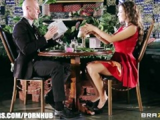 Yurizan Beltran turns a romantic date into a hardcore fuck fest