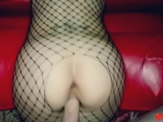 She lets me fuck her tight ass after date